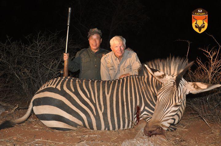 纳米比亚狩猎 狩猎 国外狩猎 国际狩猎 非洲狩猎 纳米比亚 纳米比亚打猎 山斑马 斑马 非洲斑马狩猎 打猎