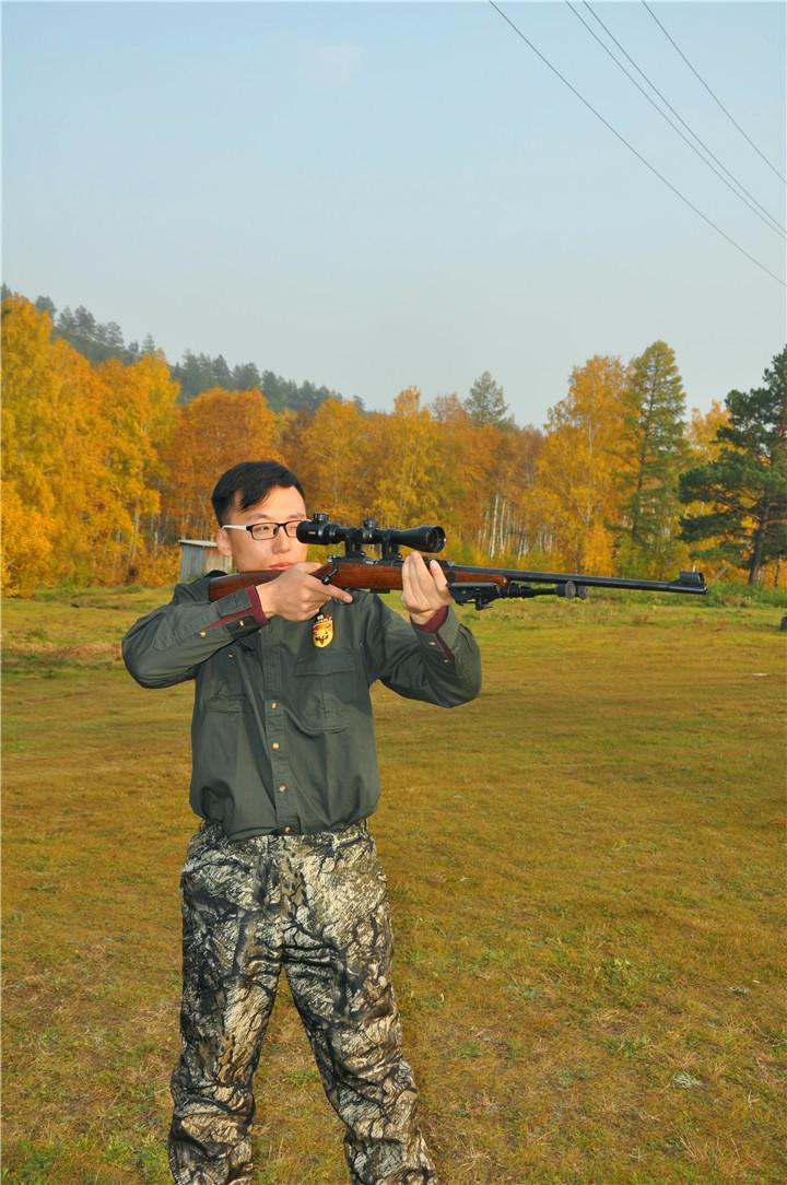张凯  Constantine 狩猎 俄罗斯狩猎 导猎 线路策划