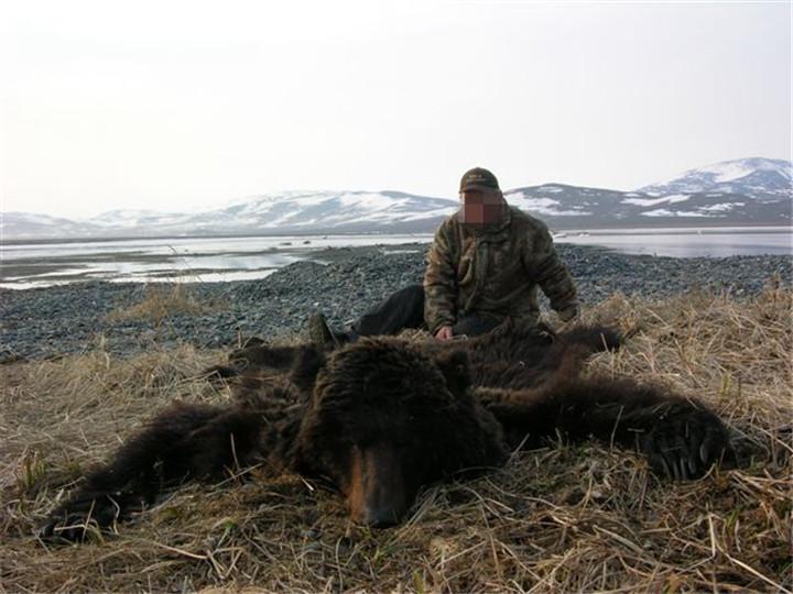 俄罗斯棕熊狩猎团