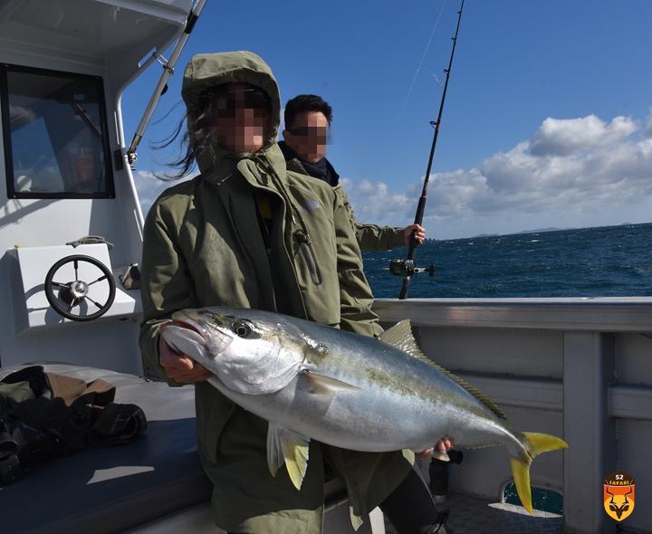 巨大黄鰤鱼